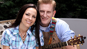 Joey Martin Feek, left, and Rory Lee Feek, the country music duo Joey and Rory